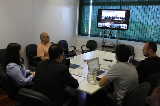 Particinpantes na sala de videoconferencia UFFS Campus Chapecó