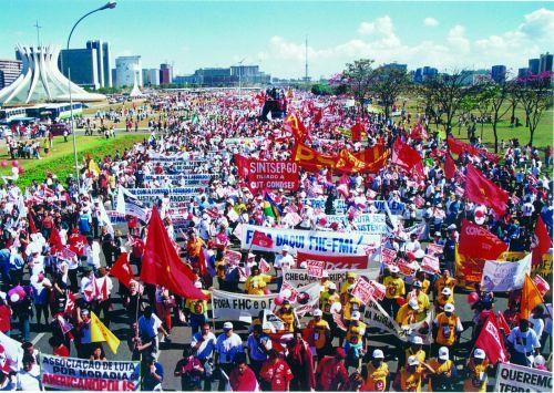 Marcha contra o apagão 27-06-01_tratada.jpg