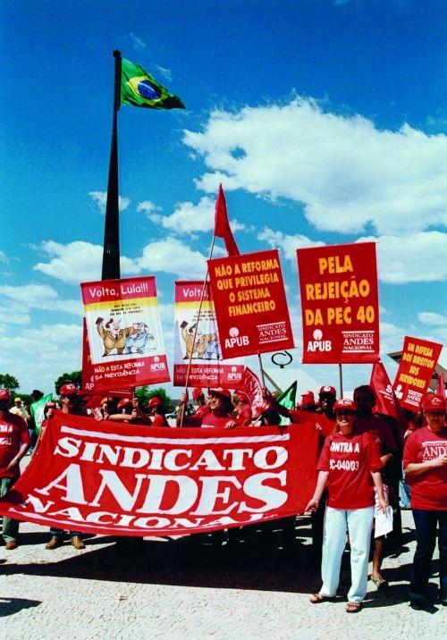 passeata contra reforma pec 40 2003 d_tratada